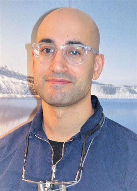 Tandlæge Omid Poorkhabaz